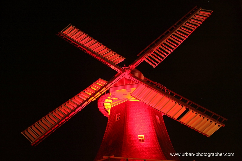 Horner Mühle farblich illuminiert