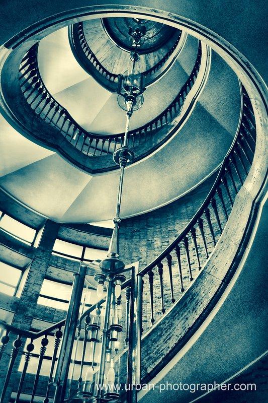 Treppenhaus im 'Grünspan-Look'